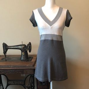 Lululemon v-neck colorblock Dress Size 6